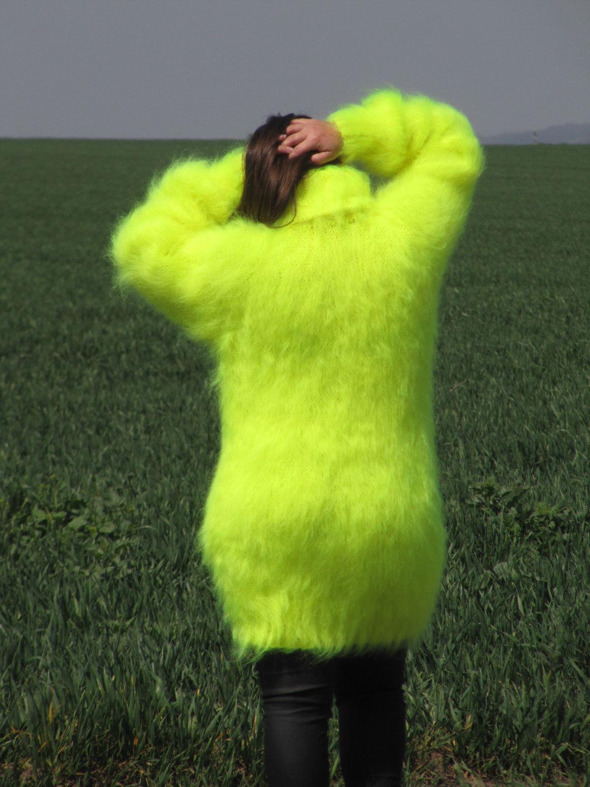 70542364_neon-yellow-sweater-turtleneck-8.jpg