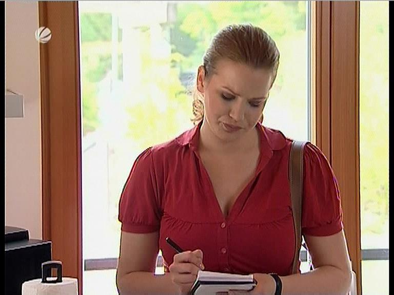 70654601_julia-brahms-sat-1-lenssen-partner-red-dress-with-big-boobs-03-09-08.jpg
