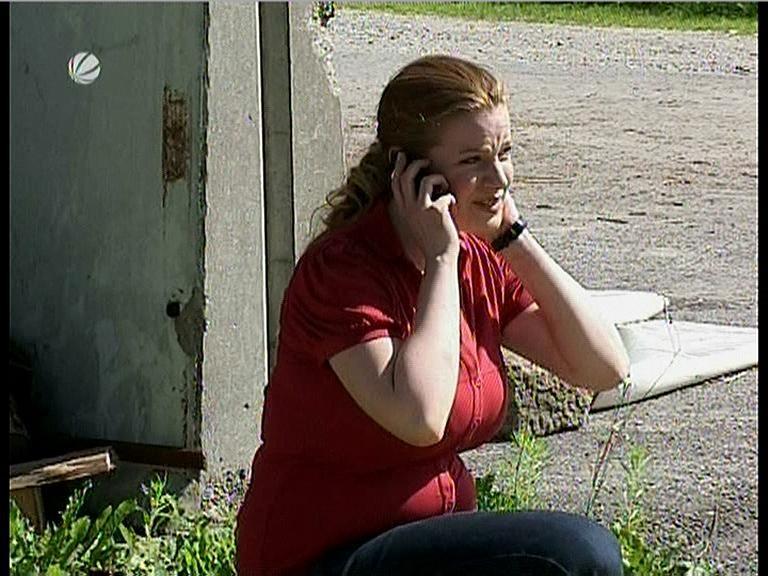 70654672_julia-brahms-sat-1-lenssen-partner-red-dress-with-big-boobs-03-09-08.jpg