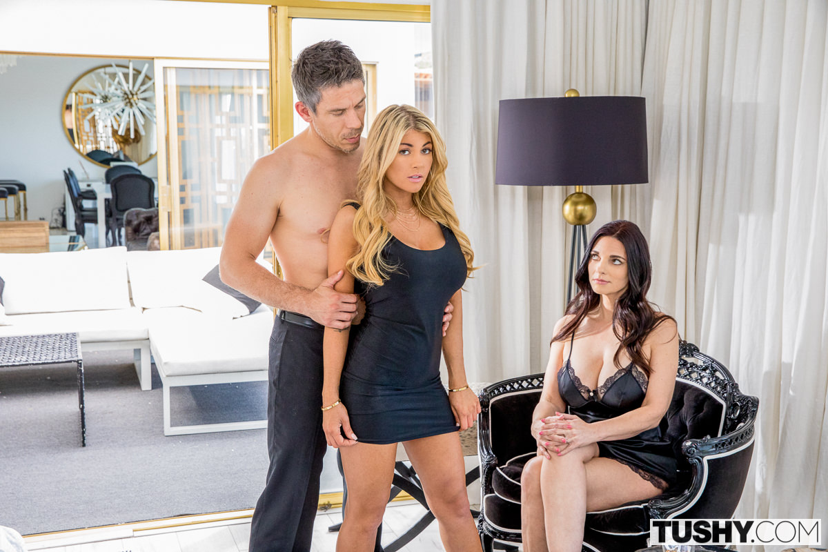 Tushy – Kayla Kayden, Mindi Mink  – Gape For My Husband