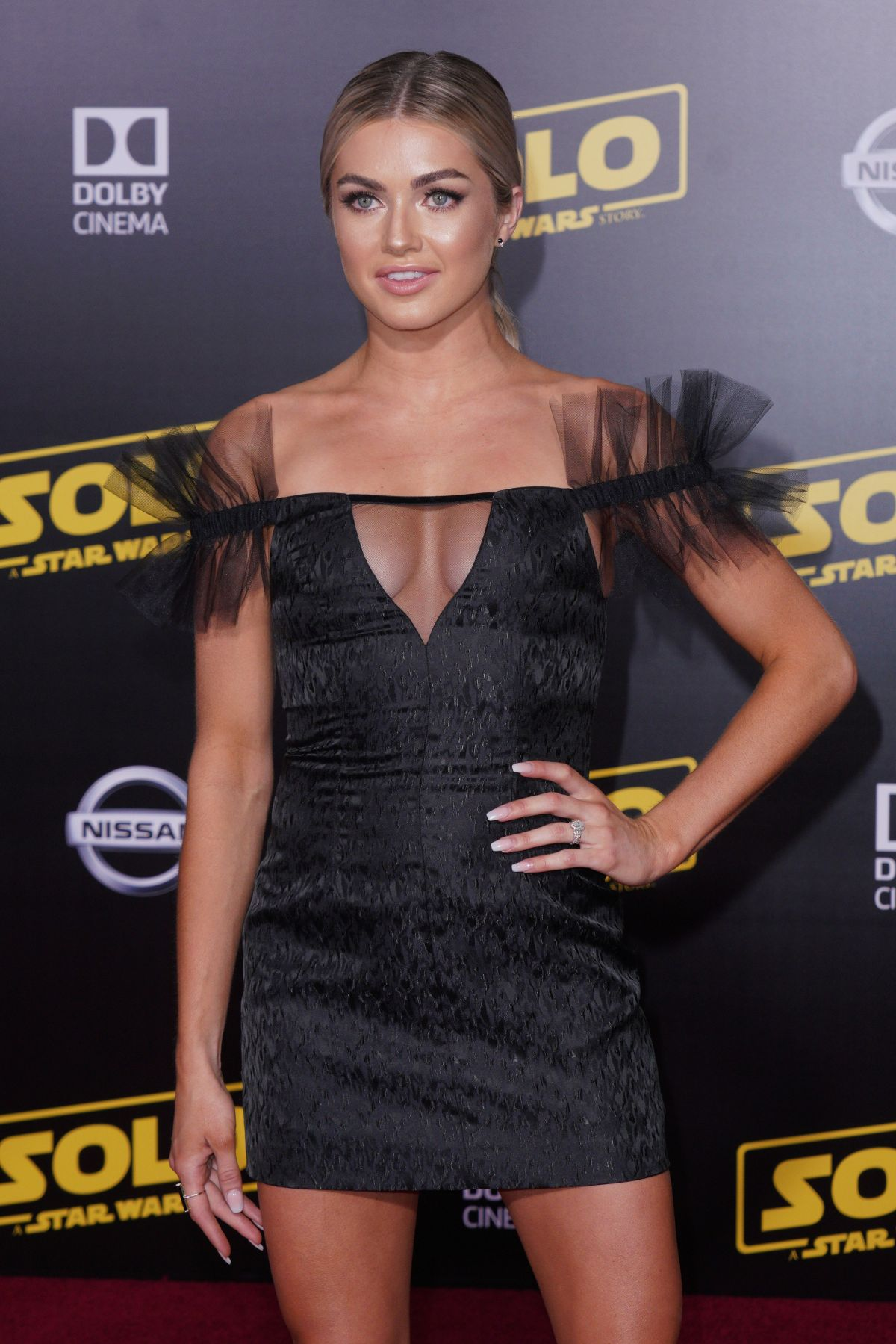 70752360_lindsay-arnold-solo-a-star-wars-story-hollywood-premiere-in-la-10-05-2018.jpg
