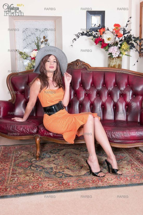 VintageFlash – Tracy Rose Nyloned And Heeled To Ecstacy