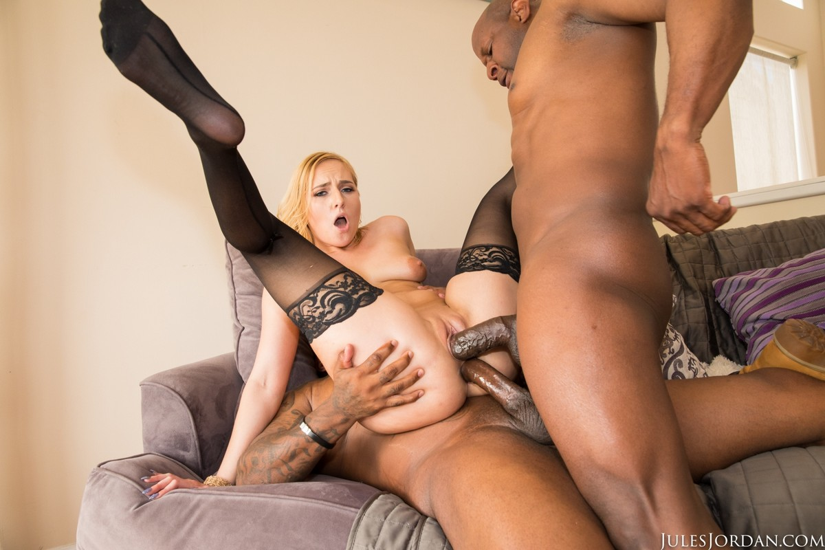 JulesJordan  –  Kate England  – Begs Dredd To Go Up Her Ass