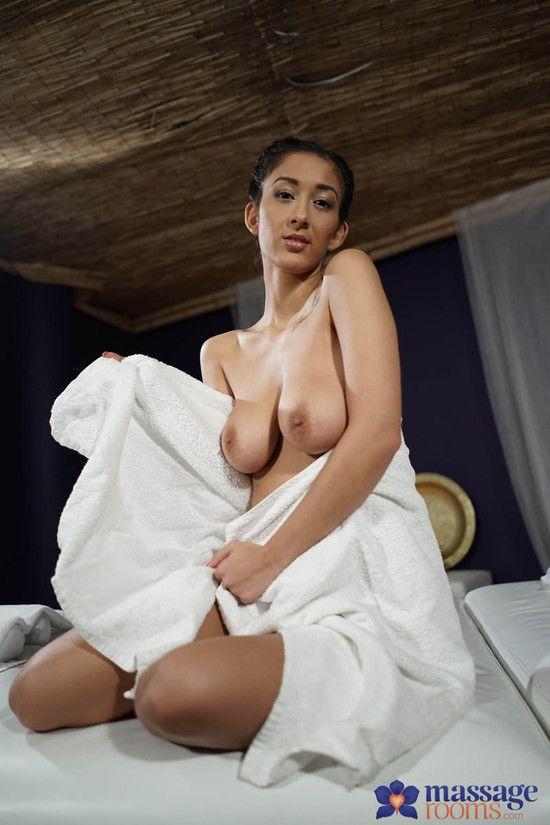 MassageRooms – Darcia Lee aka Darce Lee – Natural big tits dark skin angel
